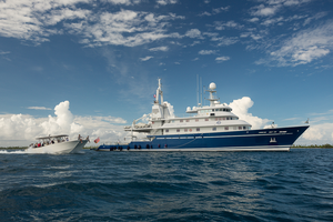 M/Y Golden Shadow with dive vessel, the Calcutta