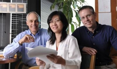 Drs. David Mangelsdorf, Yuan Zhang, and Steven Kliewer, UT Southwestern Medical Center