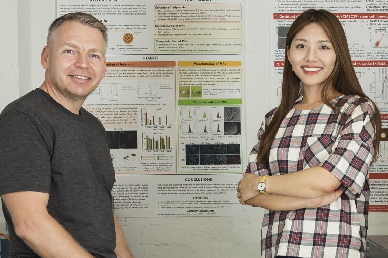 Wojciech Chrzanowski and Sally Yunsun Kim, University of Sydney