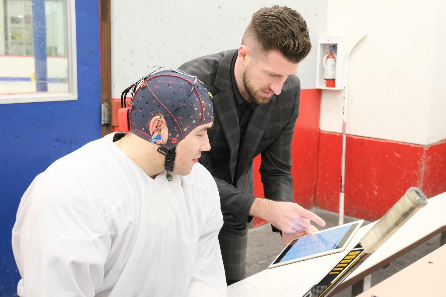 Hockey player gets his brain vital signs checked