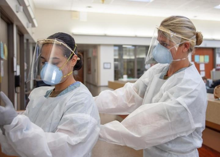 Could game theory optimize PPE stock management during the COVID-19 pandemic?