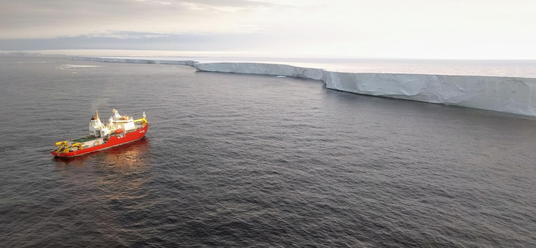 Approaching the Getz ice shelf