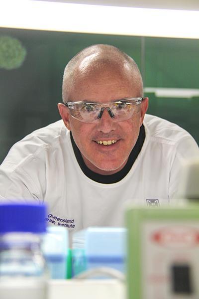 Dr Tristan Wallis