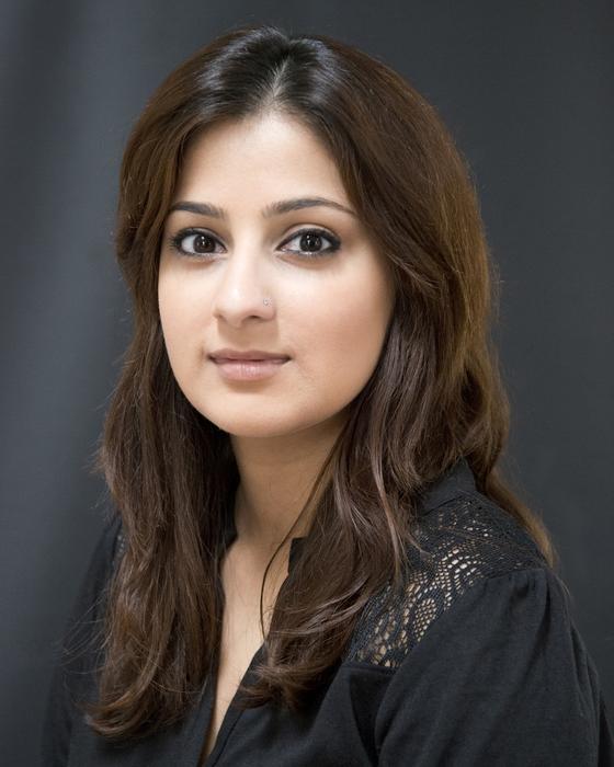 Dr. Nadia Shakoor