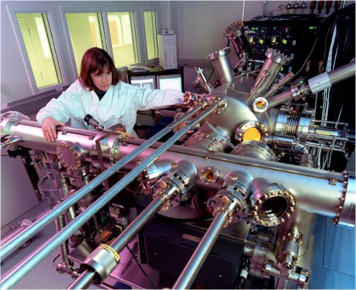Molecular Beam Epitaxy Machine