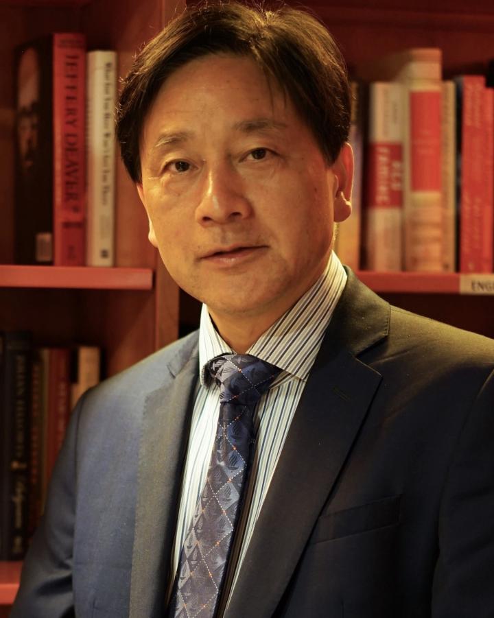 Professor Dr. Yaochu Jin
