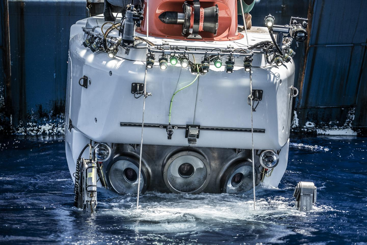 Interact with Deep-sea Scientists