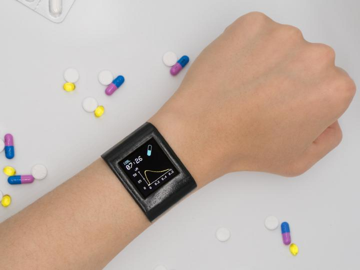 Smartwatch to track medication levels