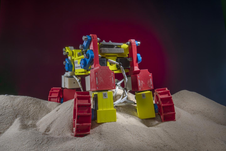 New robot has complex locomotion techniques
