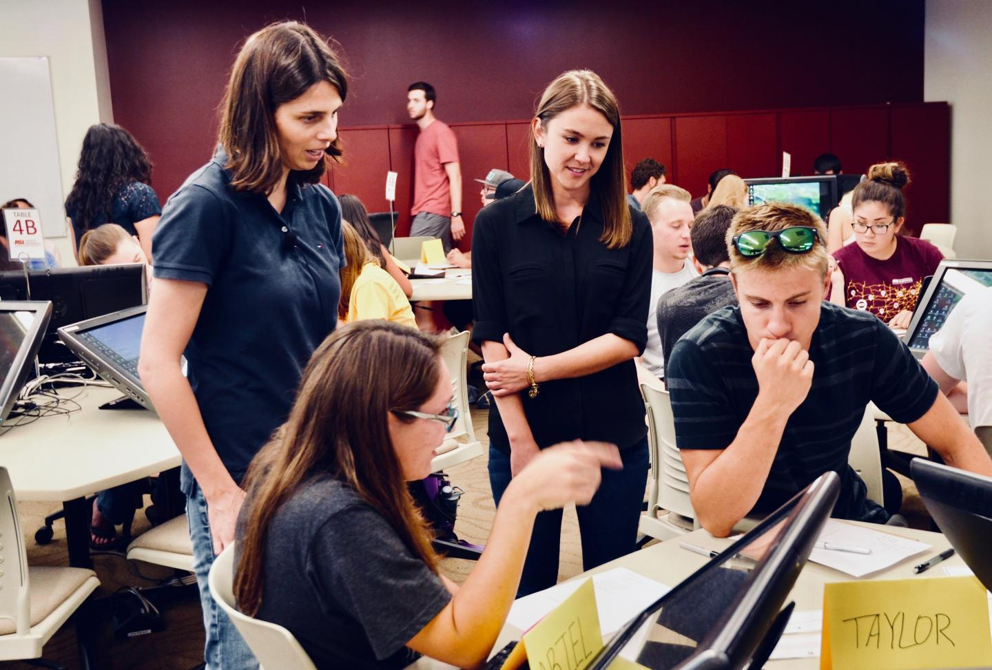 Students Learn Biology in a Arizona State University Active Learning Classroom