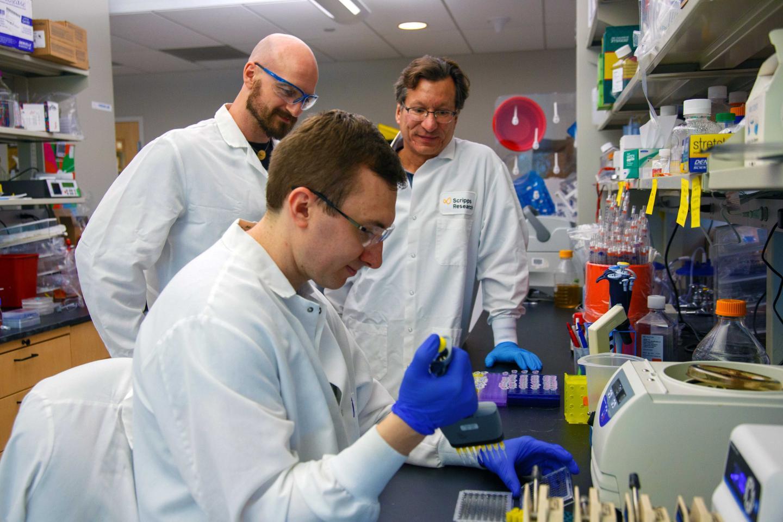 Farzan Team at Scripps Research Defeats 'Death Star' HIV Strain