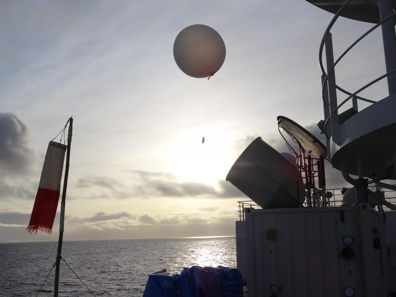 Balloon with Radio Sonde