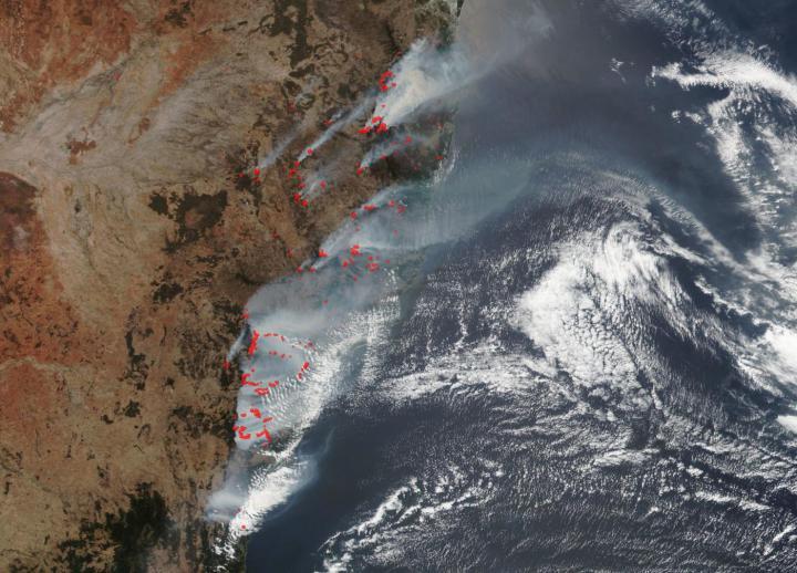 Suomi NPP image of fires in Australia