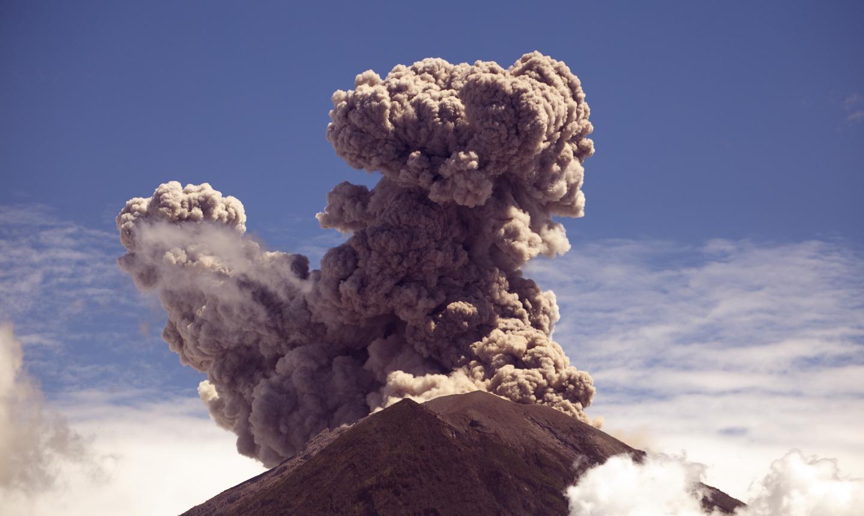 Agung volcano 2018