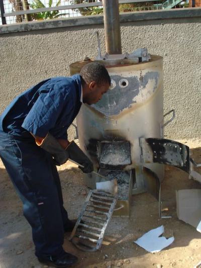 Stagnant Health Technology: Safe, Portable Medical Waste Incinerator Developed in Ghana