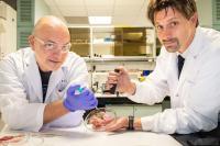 NTU Assoc Prof Terry Steele (right) and Dr Ivan Djordjevic (left)