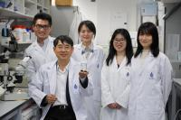 Qian Peiyuan (front) and his Research Team