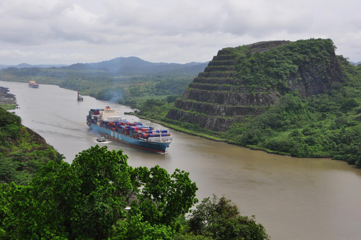 Changes in Tectonic Activity May Have Shaped Composition and Structure Of Panama Canal Volcanic Rock